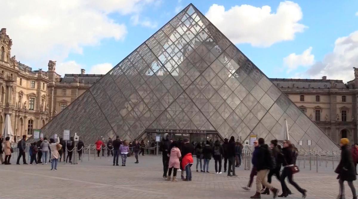 30 aniversario de la Pirámide del Louvre