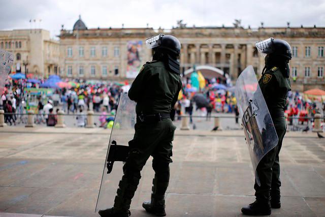 Las Fuerzas Militares y la Policía Nacional se alistan para evitar brotes de violencia en la marcha de este 21 de noviembre. Foto: Colprensa/Archivo.