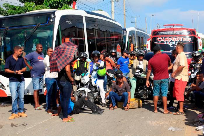 Los manifestantes sostienen que el SITM no suple la necesidad de movilidad de los residentes de este sector de la ciudad. // Julio Castaño
