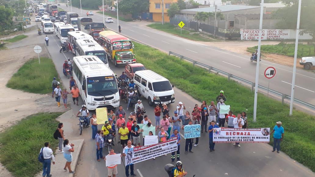 Comunidad de la zona de conurbación protestan en rechazo al traslado de la cárcel de mujeres para esa área. Fotos Julio Castaño/El Universal.
