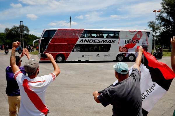 Video: River sale de casa para preparar la final de la Copa Libertadores