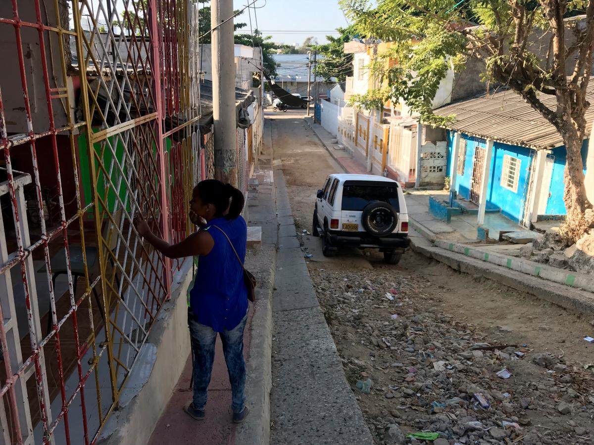 En esta calle queda el Centro Educativo Alberto Jiménez Fuentes, donde se reubicaría a una parte de los estudiantes del San Felipe Neri. //Nayib Gaviria - el universal
