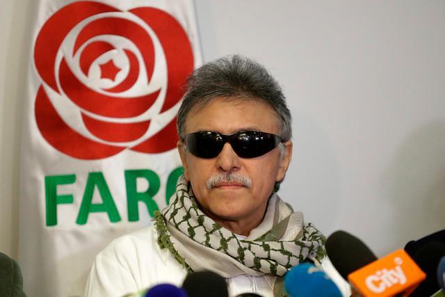 Rueda de prensa de Jesús Santrich en la sede del partido de las FARC después de su liberación. //Colprensa.