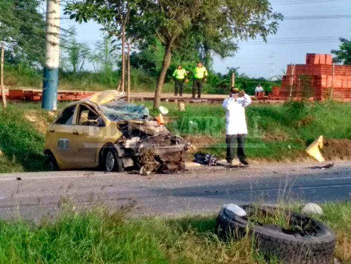 Imagen taxi accidentado.jfif_2