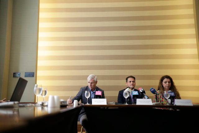 El presidente de Movistar, Fabián Hernandez, la presidenta de Tigo, Ana María Jiménez y el presidente de Avantel, Ignacio Román.