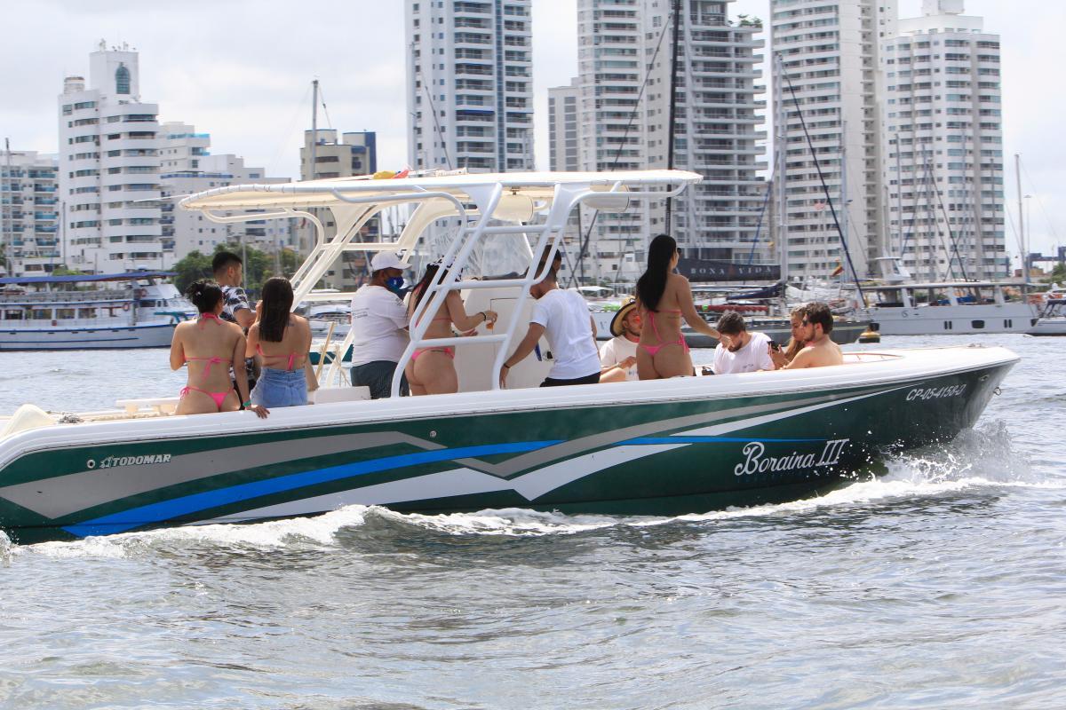 Las actividades al aire libre, como los recorridos en la bahía y el careteo, han tenido gran acogida durante la reactivación del turismo en Cartagena. // Julio Castaño.