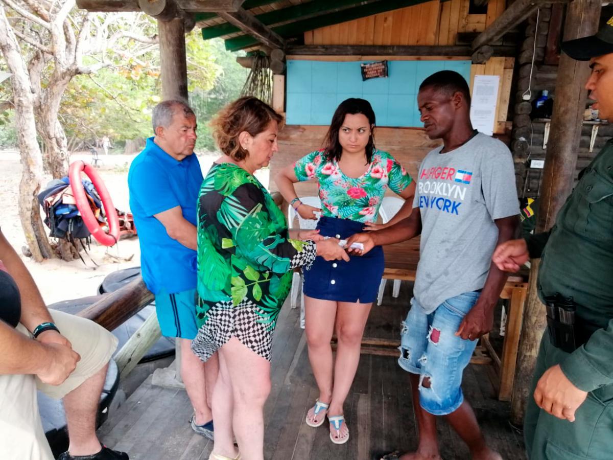 """""""Me cobraron el triple del precio real"""": turista en Playa Blanca"""