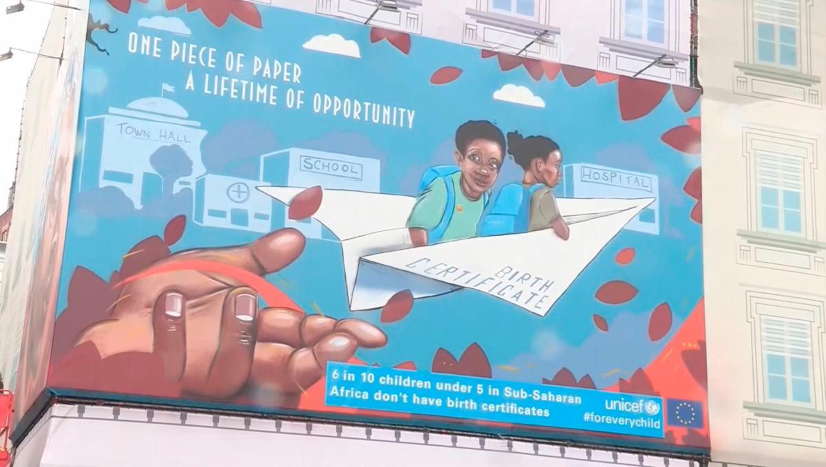 [Video] Unicef celebra 30 años de los derechos de los niños en Bruselas con un mural