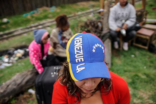 Hasta el momento, más de 272.000 venezolanos registrados han obtenido el permiso especial de permanencia. //Colprensa