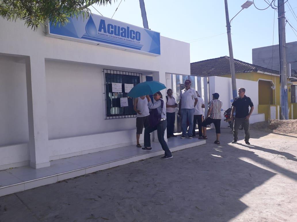 En la mañana de este 31 de diciembre varios habitantes del municipio de agolparon para protestar por la falta de agua en el municipio. // Cortesía