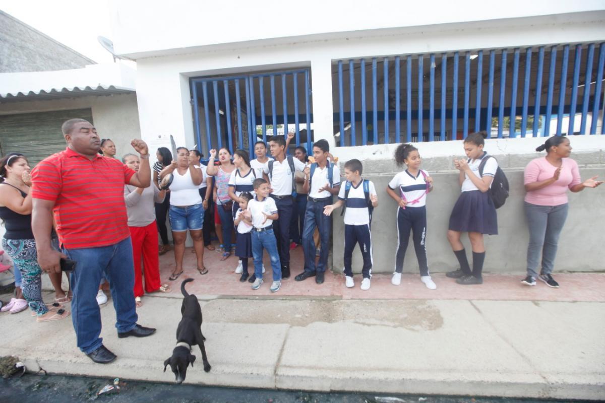 Cierran indefinidamente colegio de Tierrabaja