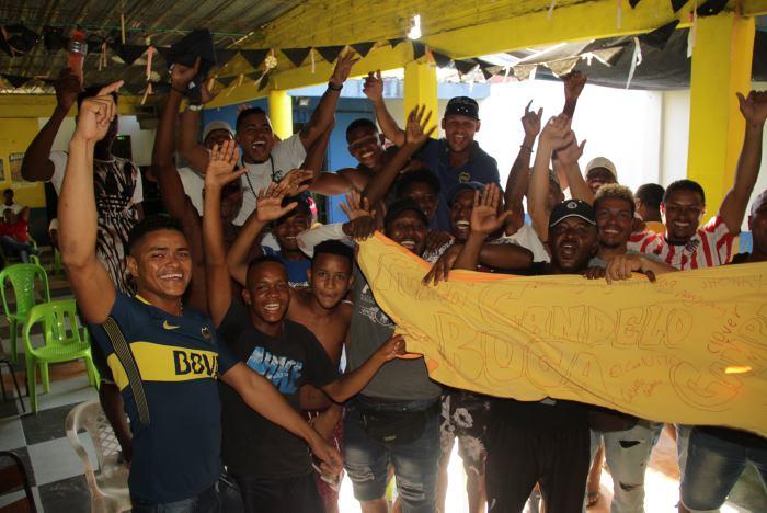La Candelaria apoyó desde la distancia a su ídolo Wilmar Barrios.//Luis Aparicio El Universal