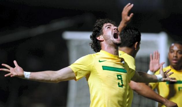Despertó Alexandre Pato y Brasil mostró todo su fútbol