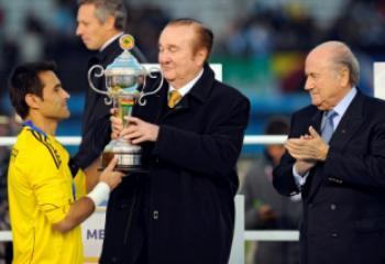 El paraguayo Justo Villar recibió el premio como el mejor arquero