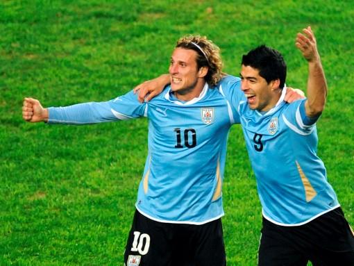 Diego Forlán y Luis Suárez, la dupla ofensiva de Uruguay en la Copa América.