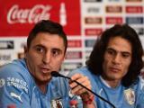 Cristian Rodríguez y Edinson Cavani durante la rueda de prensa uruguaya.