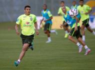 La Selección de Brasil durante el entrenamiento.