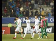 Jugadores de la selección boliviana luego de la derrota.