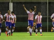 Jugadores de la selección paraguaya celebran un gol en el amistoso contra honduras.
