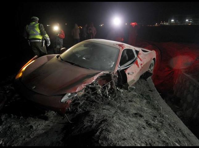 Así quedó el Ferrari de Arturo Vidal.