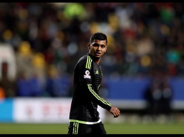 Jesús Manuel 'Tecatito' Corona destacado en el partido contra Bolivia.