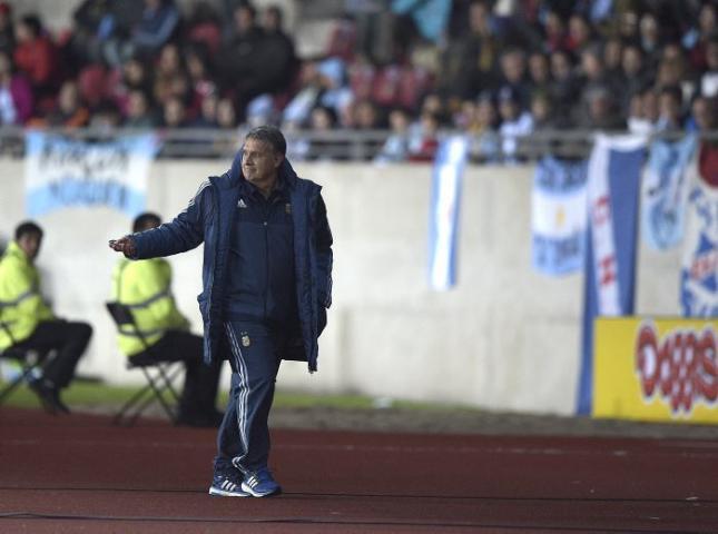 Gerardo Martino luego de ser expulsado en el partido contra Uruguay.