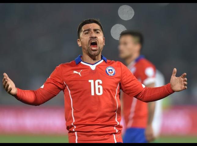 David Pizarro durante uno de los partidos.