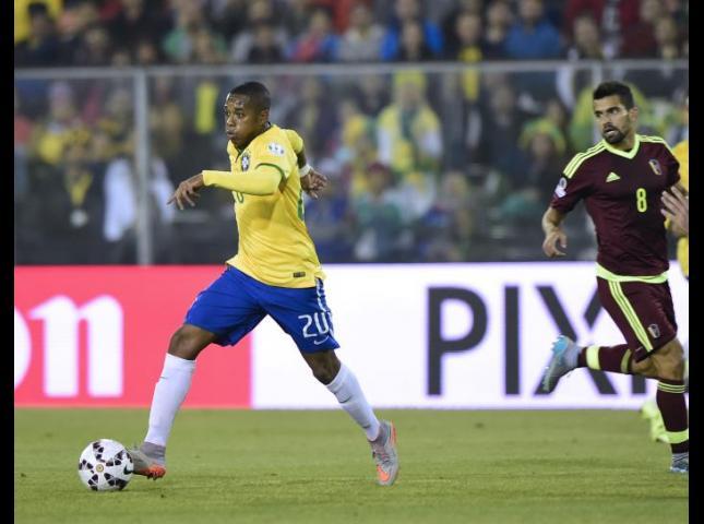 Robinho durante el partido contra Venezuela.