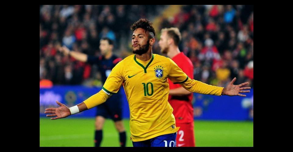Neymar será el capitán de Brasil.