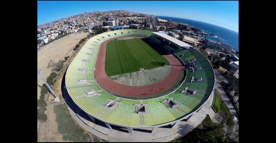 El Estadio Elías Figueroa Brander tiene capacidad para 23 mil espectadores.