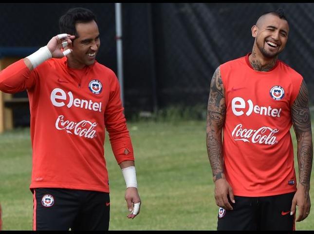 La selección Chile en entrenamiento previo al encuentro con Colombia.