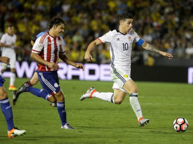 James Rodríguez ante Paraguay.