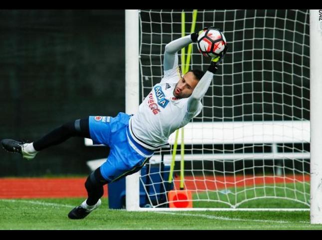 El portero David Ospina ha sido una prenda de seguridad durante el torneo y solo ha recibido un gol en los dos partidos que ha custodiado el arco tricolor. Una ficha importante si hay penaltis.