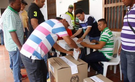 Cartagena tiene un potencial electoral de 692.257 ciudadanos aptos para votar el próximo  25 de octubre,. En todo el  Distrito se instalarán 1739 mesas de votación en los diferentes puestos de votación, que pueden ser consultados en la página web de la Registraduría.