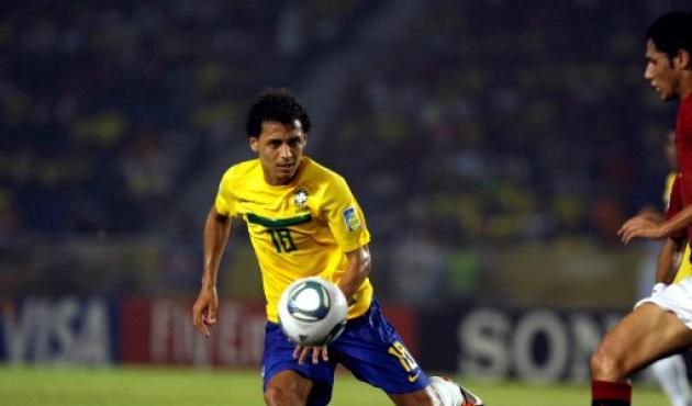 Alan Patrick, llamado a ser una de las figuras de Brasil se quedará en el banco