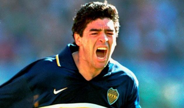 Diego Armando Maradona fue una de las figuras del Mundial Sub 20 de Japón.