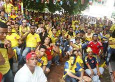En toda Cartagena, los hinchas se apostaron en estaderos, tiendas y almacenes para ver el partido.