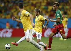 Neymar fue la figura de Brasil para avanzar a los octavos de final.