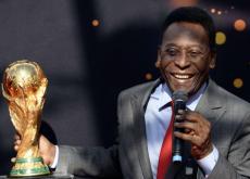 Pelé, considerado en mejor futbolista de la historia.
