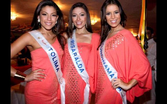 Las reinas asistieron anoche al baile del Club Unión.
