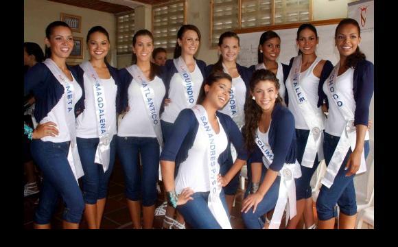 Reinas nacionales en el barrio Las Reinas