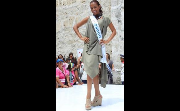 Reina de Chocó en la Plaza de la Proclamación