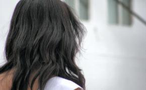La lluvia daña el cabello de las candidatas.