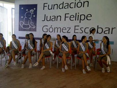Reinas en la fundación Juan Felipe Gómez Escobar