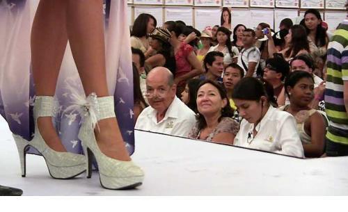 María Laura Quintero, señorita Cesar, luciendo la Zapatilla Real.