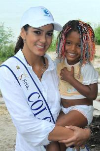 La Señorita Colombia fue a Tierrabomba a departir con los niños de ese territori