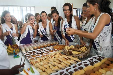 Las reinas visitaron El Ropero de Minuto de Dios en el bariro Las Reinas