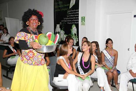 Las candidatas del Reinado Nacional de la Belleza en Profamilia.