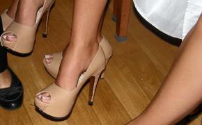 Zapatos de las candidatas