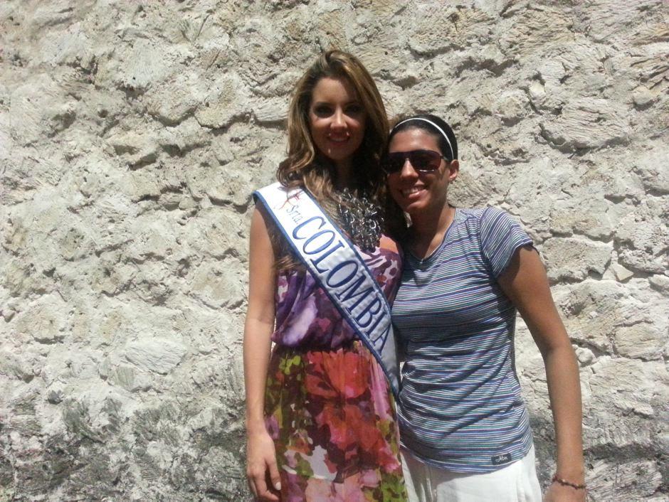 La señorita Colombia, Daniella Álvarez fue asediada por algunos cartageneros que